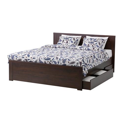IKEA에서 파는 침대 프레임의 예. 이렇게 서랍까지 달린 침대가 $300불 미만이다.